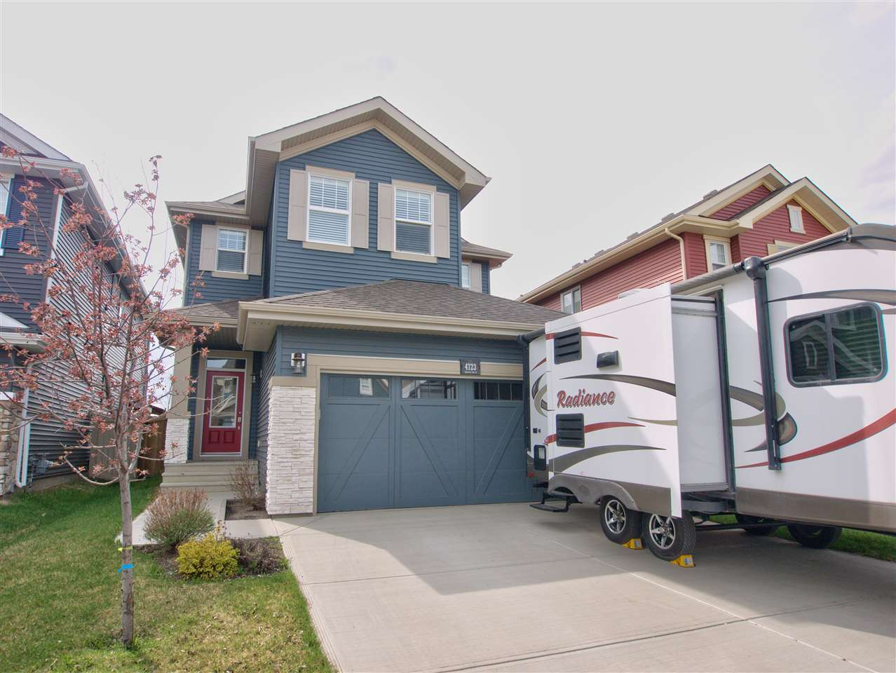 Main Photo: 4723 CRABAPPLE Run in Edmonton: Zone 53 House for sale : MLS(r) # E4064422