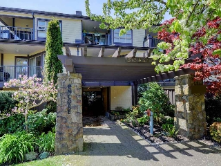 Main Photo: 212 235 W 4TH STREET in North Vancouver: Lower Lonsdale Condo for sale : MLS® # R2161067