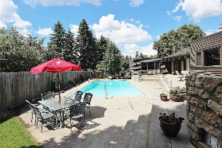 Main Photo: 108 FAIRWAY Drive in Edmonton: Zone 16 House for sale : MLS® # E4071927
