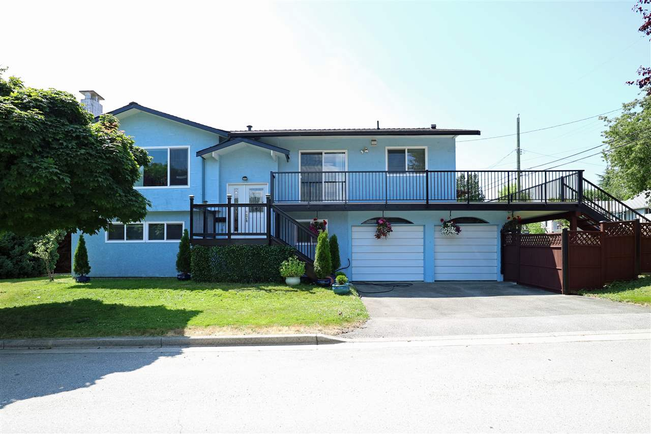 "Main Photo: 1195 SKEENA Street in Vancouver: Renfrew VE House for sale in ""RENFREW"" (Vancouver East)  : MLS® # R2186198"