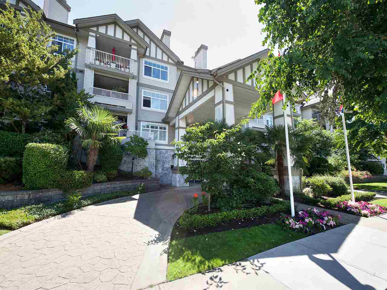 "Main Photo: 315 4770 52A Street in Delta: Delta Manor Condo for sale in ""WESTHAM LANE"" (Ladner)  : MLS® # R2189063"