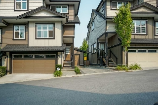 "Main Photo: 57 6350 142 Street in Surrey: Sullivan Station Townhouse for sale in ""CANVAS"" : MLS® # R2193352"