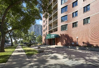 Main Photo:  in Edmonton: Zone 12 Condo for sale : MLS® # E4076112