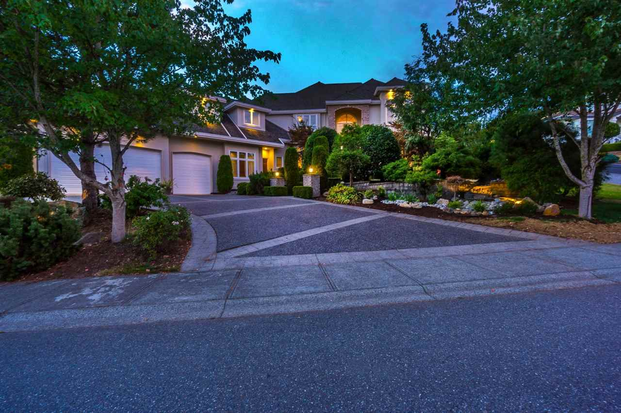 Main Photo: 34901 PANORAMA Drive in Abbotsford: Abbotsford East House for sale : MLS® # R2207469