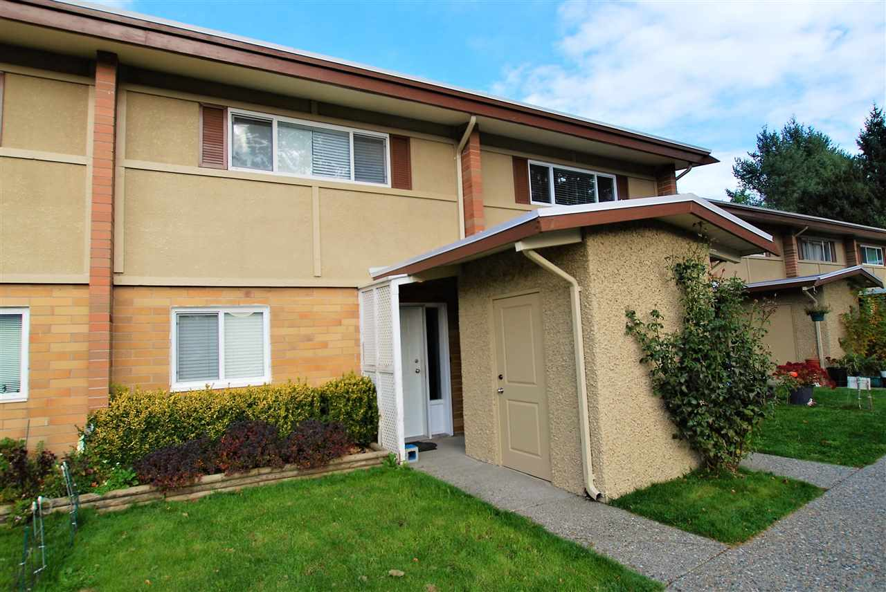 "Main Photo: 7 2048 MCCALLUM Road in Abbotsford: Central Abbotsford Townhouse for sale in ""Garden Court Estates"" : MLS® # R2218804"