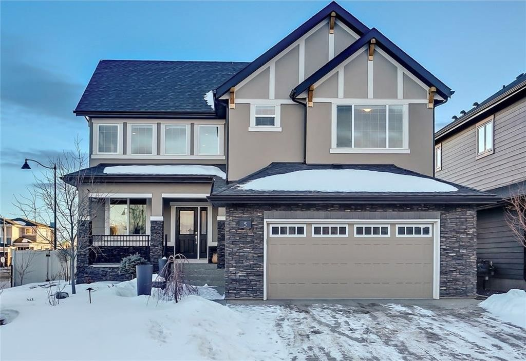Main Photo: 5 WEST GROVE Rise SW in Calgary: West Springs House for sale : MLS®# C4162928