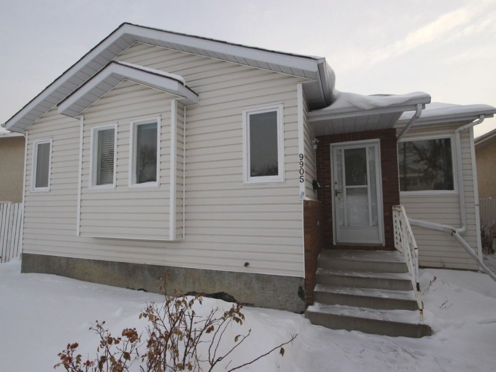 Main Photo: 9905 154 Street in Edmonton: Zone 22 House for sale : MLS® # E4100365