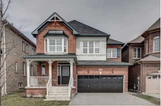 Main Photo: 35 Hoover Park Dr: Stouffville Freehold for sale (Whitchurch-Stouffville)