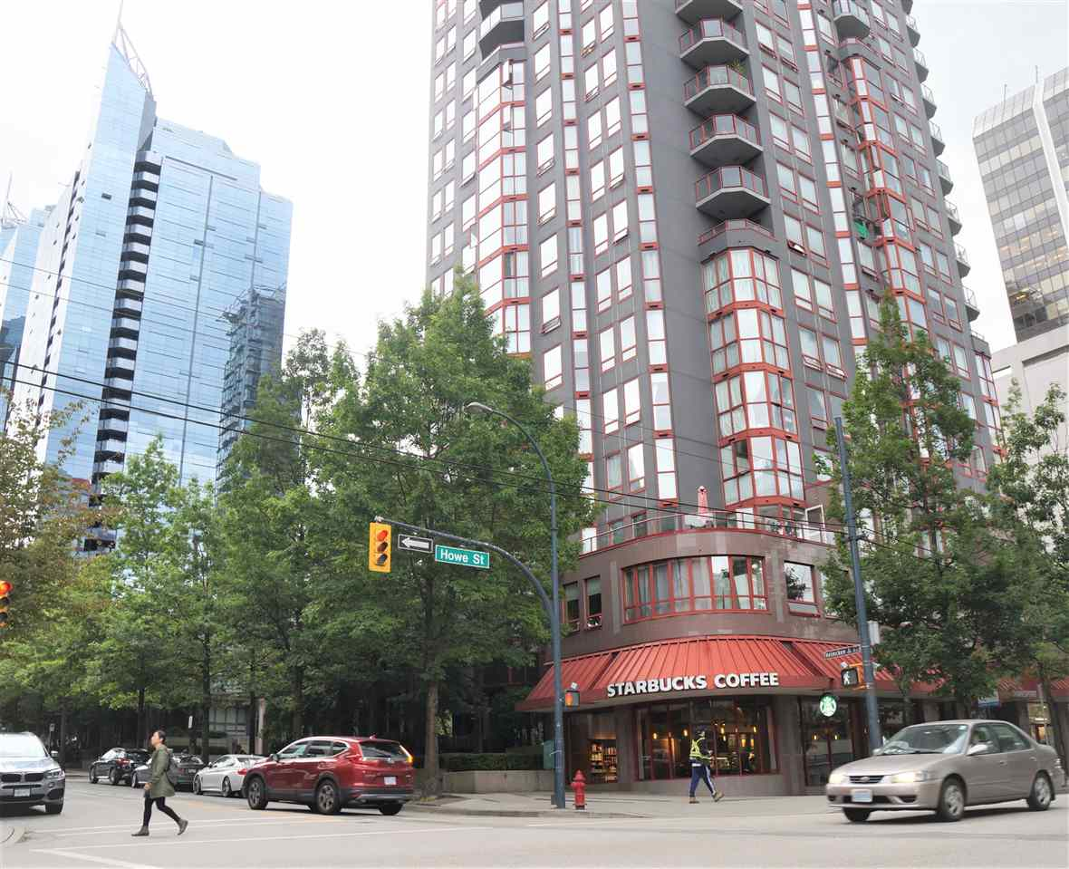 FEATURED LISTING: 601 811 HELMCKEN Street Vancouver
