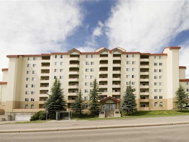 FEATURED LISTING: 202 - 2011 UNIVERSITY Drive Northwest CALGARY