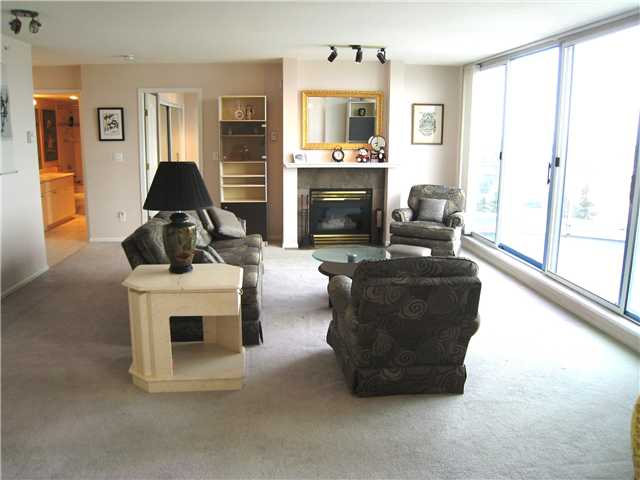 "Photo 2: 2401 719 PRINCESS Street in New Westminster: Uptown NW Condo for sale in ""STIRLING PLACE"" : MLS(r) # V1066867"