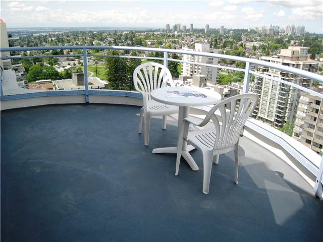"Photo 12: 2401 719 PRINCESS Street in New Westminster: Uptown NW Condo for sale in ""STIRLING PLACE"" : MLS® # V1066867"