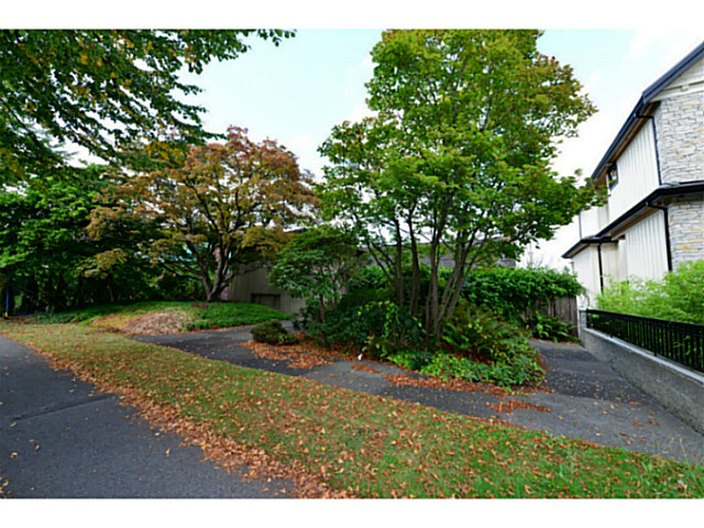 Photo 2: 2125 W 32ND Avenue in Vancouver: Quilchena House for sale (Vancouver West)  : MLS® # V1084360