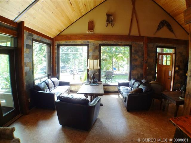 Main Photo: 11 Ladyslipper Road in Lumby: House for sale : MLS® # 10088081