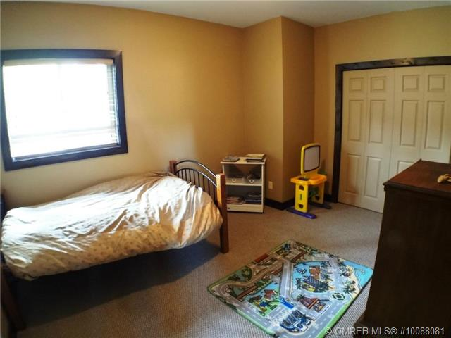 Photo 8: 11 Ladyslipper Road in Lumby: House for sale : MLS(r) # 10088081