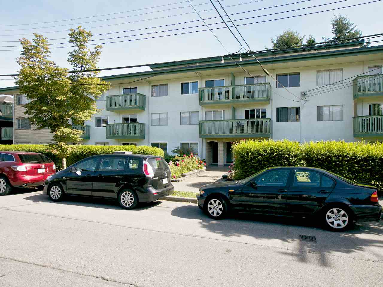 "Main Photo: 213 36 E 14TH Avenue in Vancouver: Mount Pleasant VE Condo for sale in ""Rosemont Manor"" (Vancouver East)  : MLS® # R2003985"
