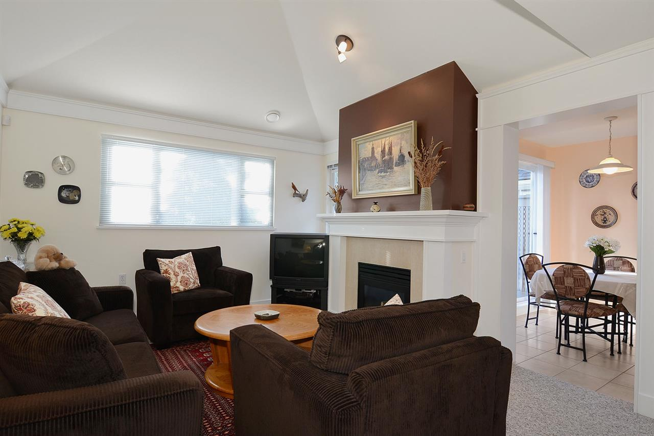 "Photo 5: 310 3188 W 41ST Avenue in Vancouver: Kerrisdale Condo for sale in ""LANESBOROUGH"" (Vancouver West)  : MLS® # R2067224"