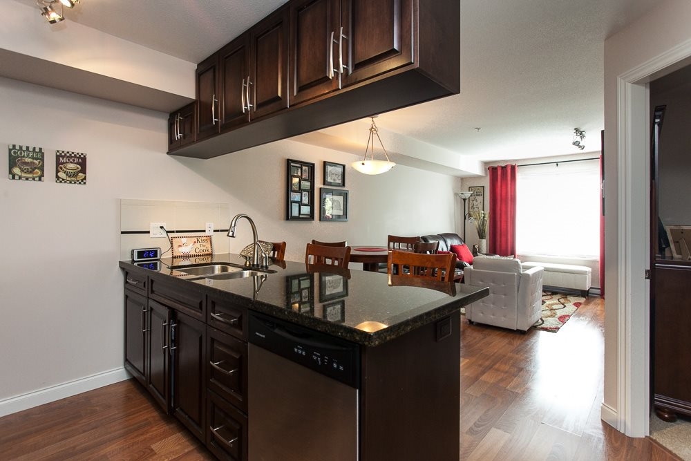"Photo 2: 115 19939 55A Avenue in Langley: Langley City Condo for sale in ""MADISON CROSSING"" : MLS(r) # R2118211"