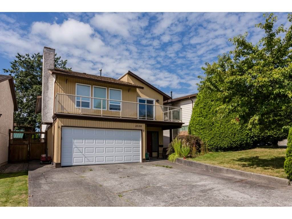 Main Photo: 2330 WAKEFIELD Drive in Langley: Willoughby Heights House for sale : MLS®# R2147670