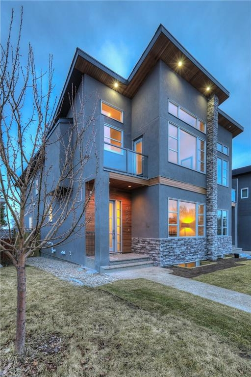 Photo 3: 2522 20 Street SW in Calgary: Richmond House for sale : MLS(r) # C4093176