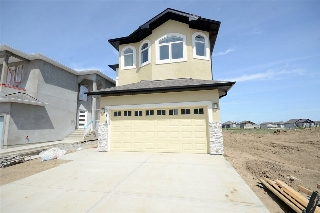 Main Photo: 3208 11 Avenue in Edmonton: Zone 30 House for sale : MLS(r) # E4068687