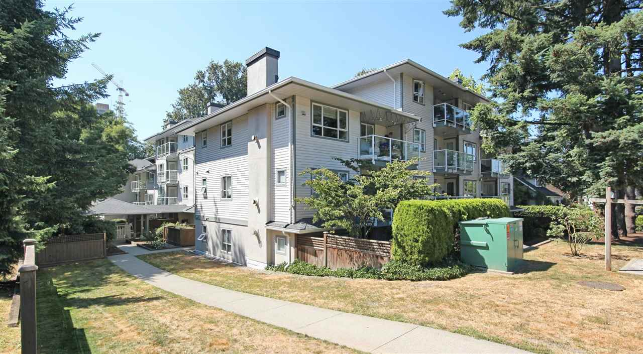 "Main Photo: 101 5577 SMITH Avenue in Burnaby: Central Park BS Condo for sale in ""COTTONWOOD GROVE"" (Burnaby South)  : MLS(r) # R2189102"