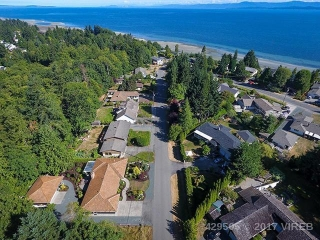 Main Photo: 481 BALSAM STREET in QUALICUM BEACH: Z5 Qualicum Beach House for sale (Zone 5 - Parksville/Qualicum)  : MLS® # 429505