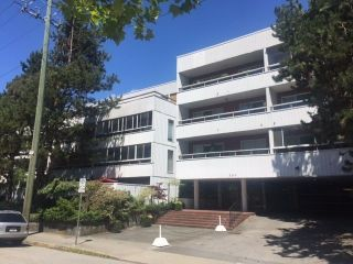 "Main Photo: 312 250 W 1ST Street in North Vancouver: Lower Lonsdale Condo for sale in ""Chinook House"" : MLS® # R2241657"