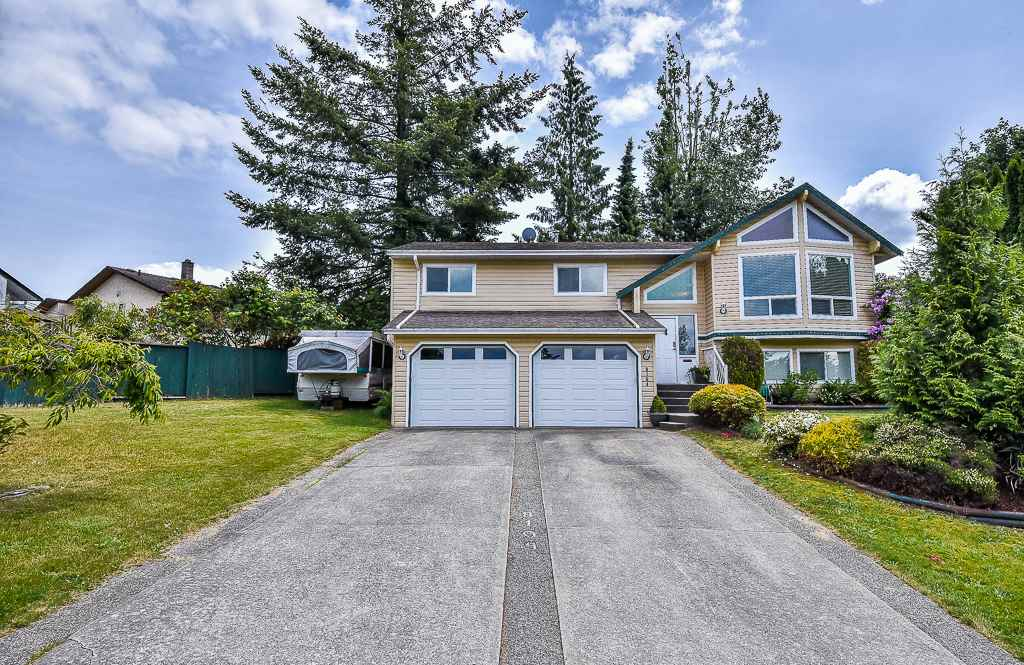 Main Photo: 8104 KNIGHT Avenue in Mission: Mission BC House for sale : MLS®# R2276970