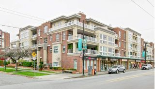 "Main Photo: 208 2105 W 42ND Avenue in Vancouver: Kerrisdale Condo for sale in ""BROWNSTONE"" (Vancouver West)  : MLS®# R2281243"