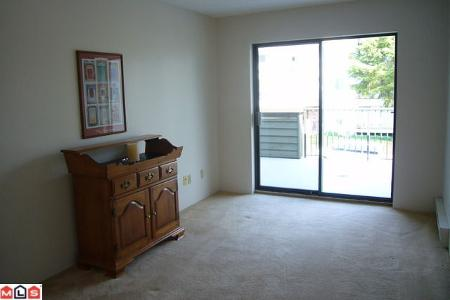 Photo 8: # 211 14950 THRIFT AV in White Rock: Condo for sale : MLS® # F1021085