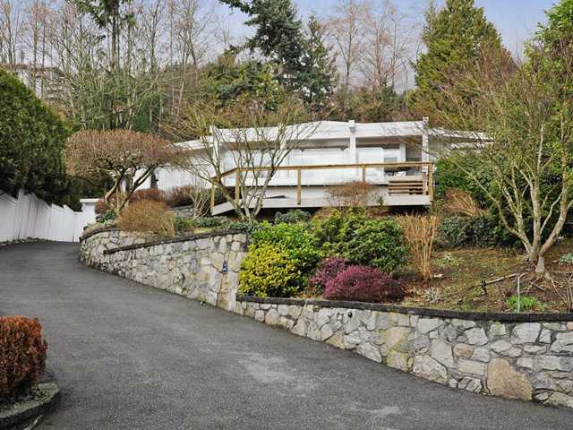 Photo 2: 3185 BENBOW Road in West Vancouver: Westmount WV House for sale : MLS(r) # V932641