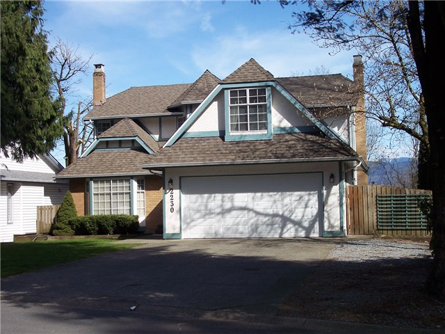 "Main Photo: 2230 TIMBERLANE Drive in Abbotsford: Abbotsford East House for sale in ""MOUNTAIN VILLAGE"" : MLS(r) # F1407774"