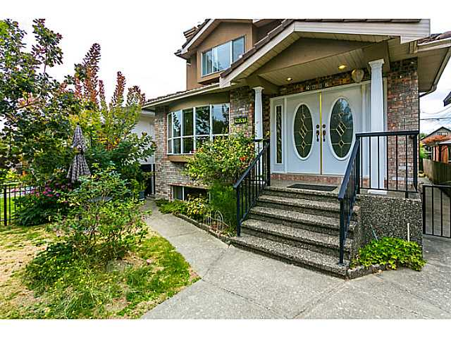 Main Photo: 2687 GRANT Street in Vancouver: Renfrew VE House for sale (Vancouver East)  : MLS® # V1141585