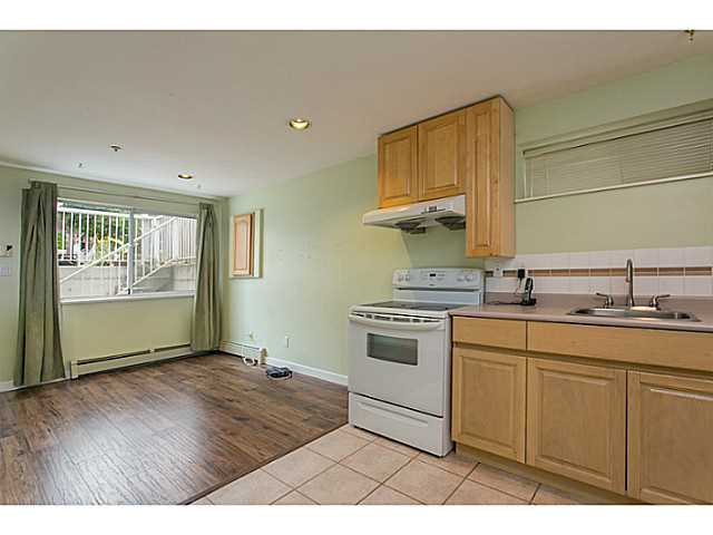 Photo 18: 2687 GRANT Street in Vancouver: Renfrew VE House for sale (Vancouver East)  : MLS® # V1141585