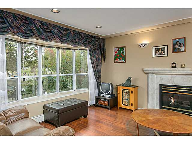 Photo 3: 2687 GRANT Street in Vancouver: Renfrew VE House for sale (Vancouver East)  : MLS® # V1141585
