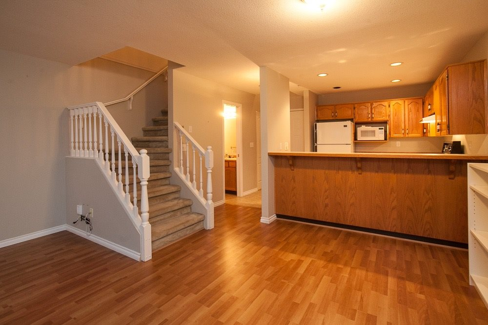 "Main Photo: 210 22356 MCINTOSH Avenue in Maple Ridge: West Central Condo for sale in ""Windsor Crossing"" : MLS®# R2013854"