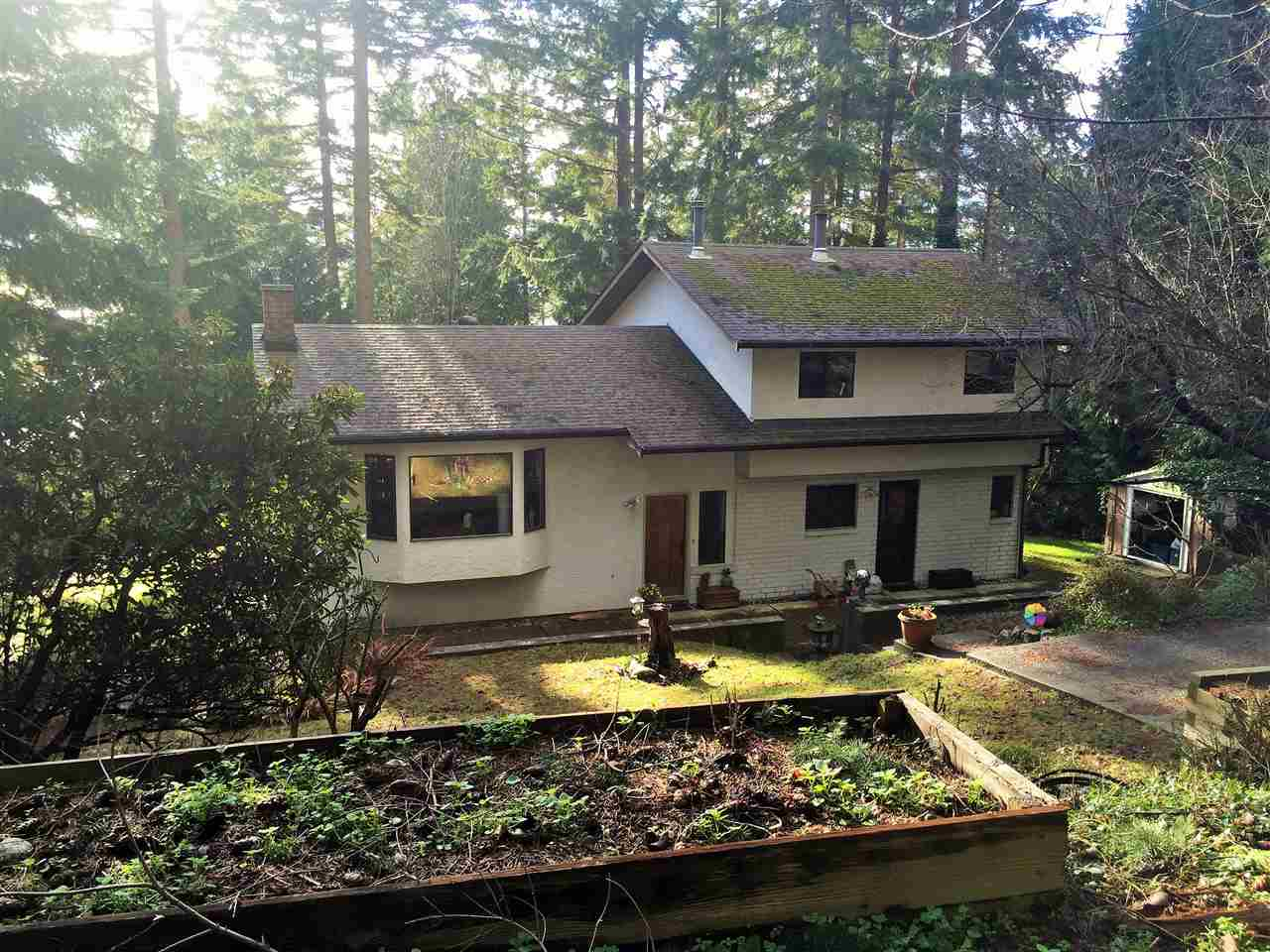 Main Photo: 1253 Gower Point Road, Gibsons BC