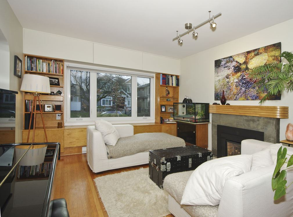 Photo 2: 2507 E 17TH Avenue in Vancouver: Renfrew Heights House for sale (Vancouver East)  : MLS(r) # R2032304