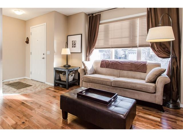 Photo 2: 275 EVERSTONE Drive SW in Calgary: Evergreen House for sale : MLS® # C4049226
