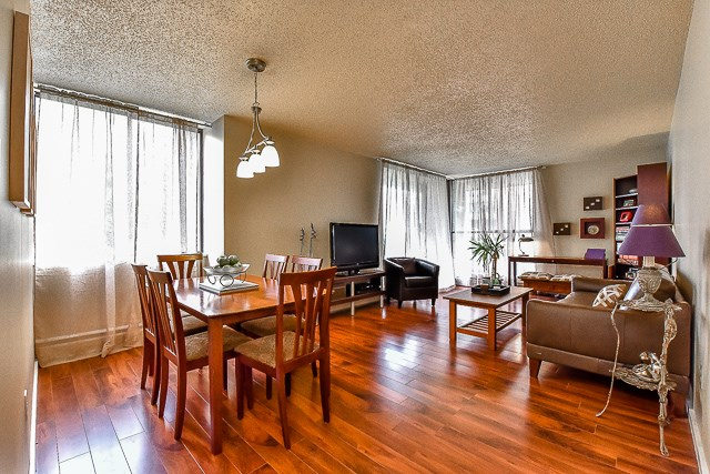 FEATURED LISTING: 605 - 3755 BARTLETT Court Burnaby