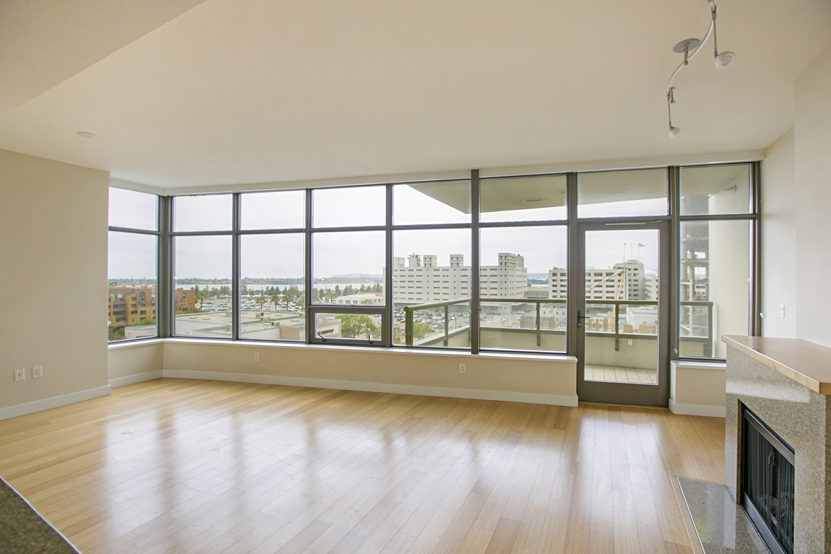 Main Photo: DOWNTOWN Condo for rent : 3 bedrooms : 700 W E STREET #701 in San Diego