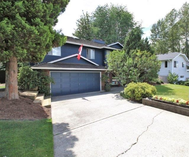 Main Photo: 476 GLENBROOK Drive in New Westminster: GlenBrooke North House for sale : MLS® # R2086759