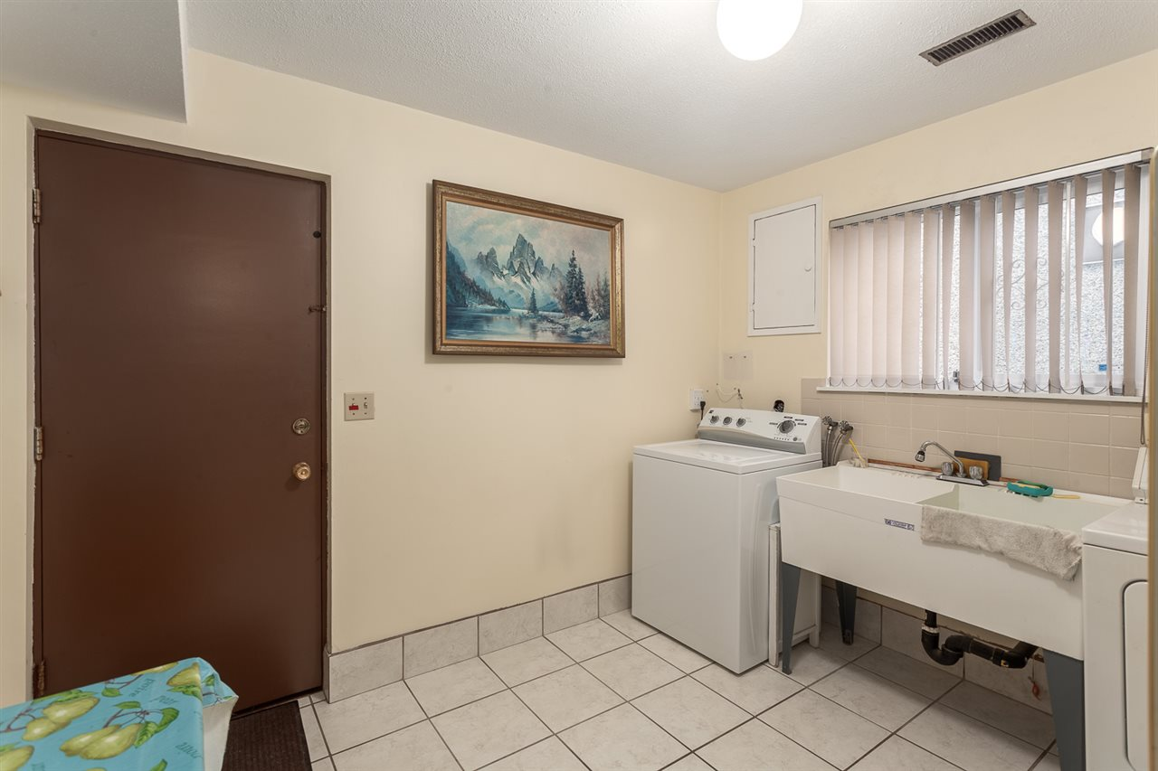 Photo 18: 5442 KILLARNEY Street in Vancouver: Collingwood VE House for sale (Vancouver East)  : MLS® # R2135257