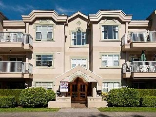 Main Photo: 211 1150 54A Street in Delta: Tsawwassen Central Condo for sale (Tsawwassen)  : MLS(r) # R2150735