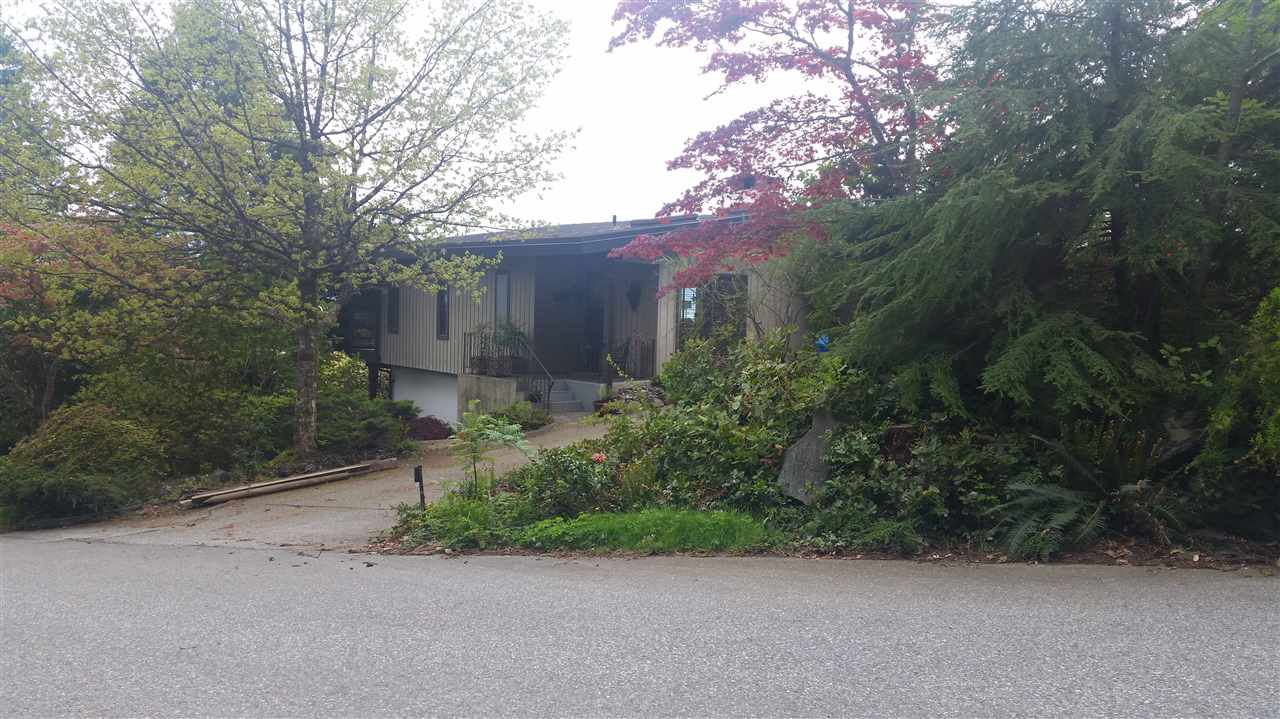 "Main Photo: 45 CREEKVIEW Place in West Vancouver: Lions Bay House for sale in ""Lions Bay"" : MLS(r) # R2165156"