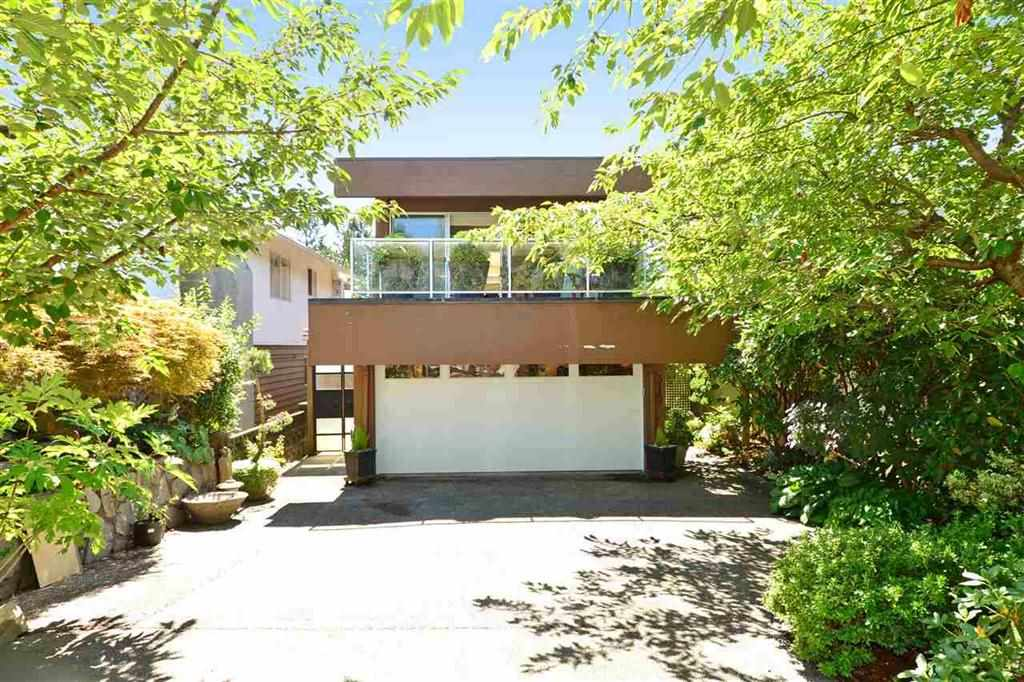 Main Photo: 315 W 28TH Street in North Vancouver: Upper Lonsdale House for sale : MLS(r) # R2165732