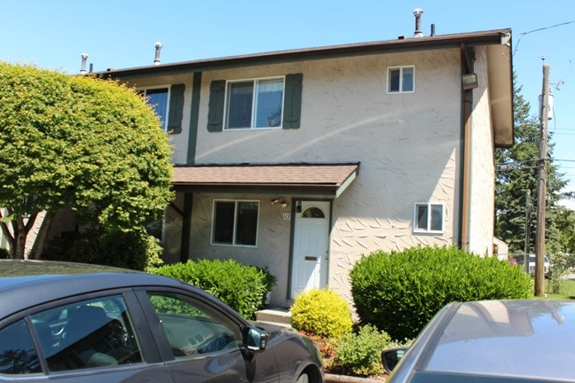 "Main Photo: 113 32880 BEVAN Way in Abbotsford: Central Abbotsford Townhouse for sale in ""Bevan Gardens"" : MLS(r) # R2174155"