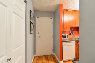 Main Photo: 202 9904 90 Avenue in Edmonton: Zone 15 Condo for sale : MLS® # E4068326