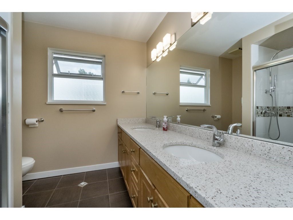 Photo 15: 1048 GROVER Avenue in Coquitlam: Central Coquitlam House for sale : MLS(r) # R2177375